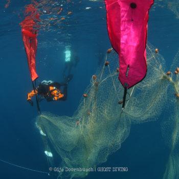 Healthy Seas Ghost Diving © Gijs Doornbusch