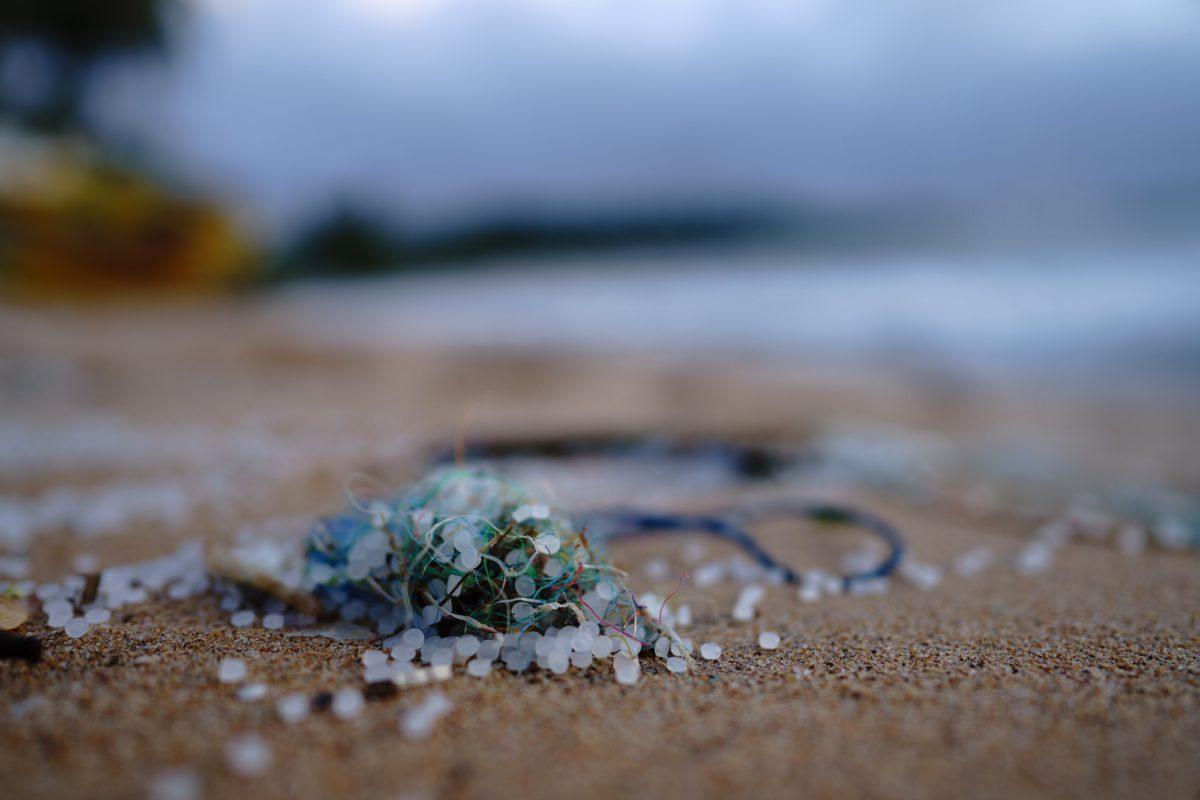 Microplastics and plastic on the beach